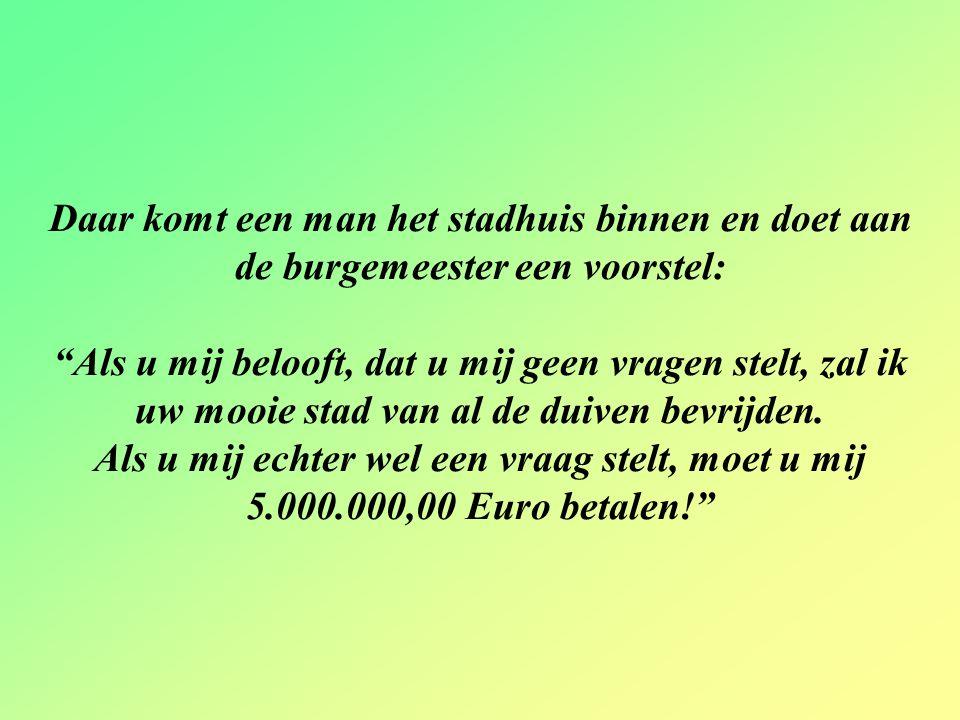 """De burgemeester van Utrecht is ten einde raad met de verschrikkelijke overlast die de massa's duiven veroorzaken, die """"zijn stad beheersen."""
