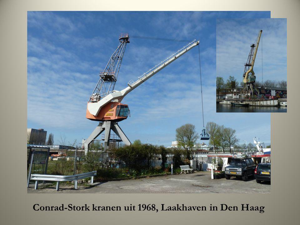 Conrad-Stork kranen uit 1968, Laakhaven in Den Haag