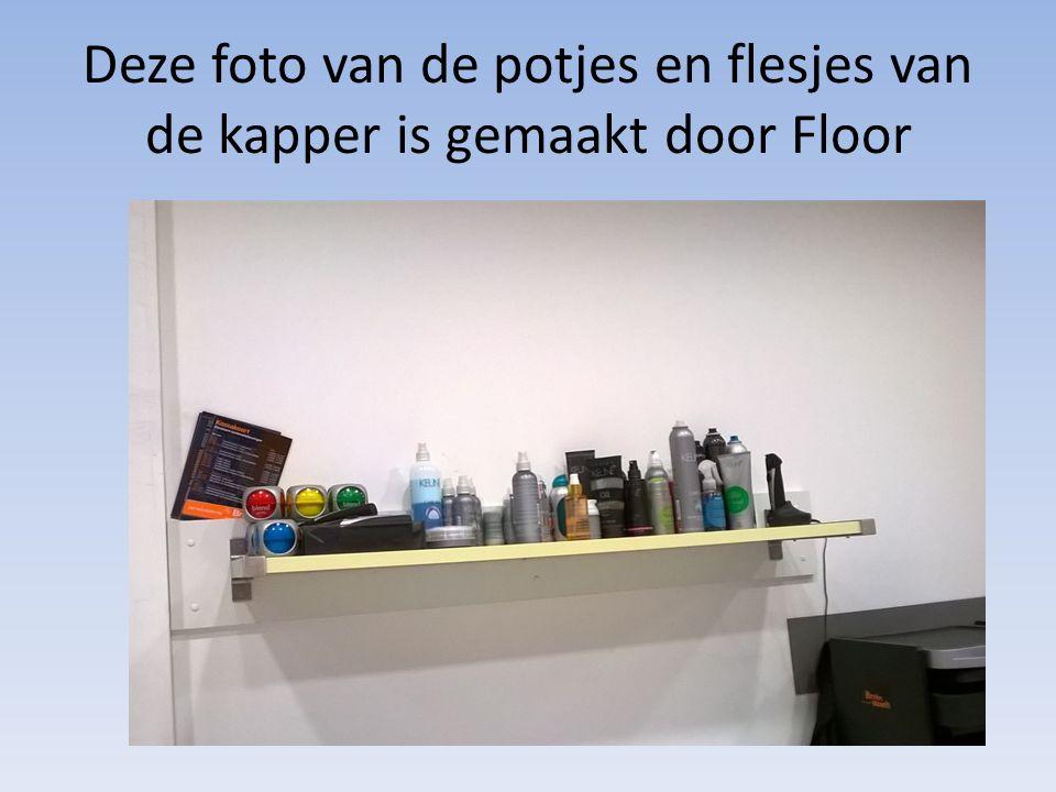 Deze foto van de potjes en flesjes van de kapper is gemaakt door Floor