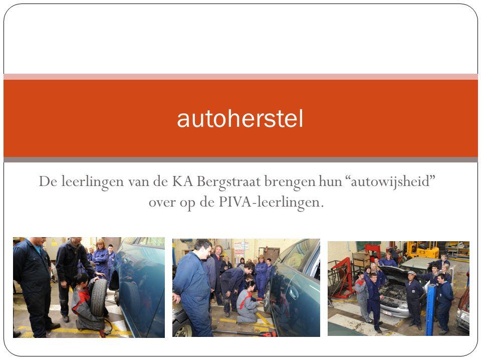 De leerlingen van de KA Bergstraat brengen hun autowijsheid over op de PIVA-leerlingen.