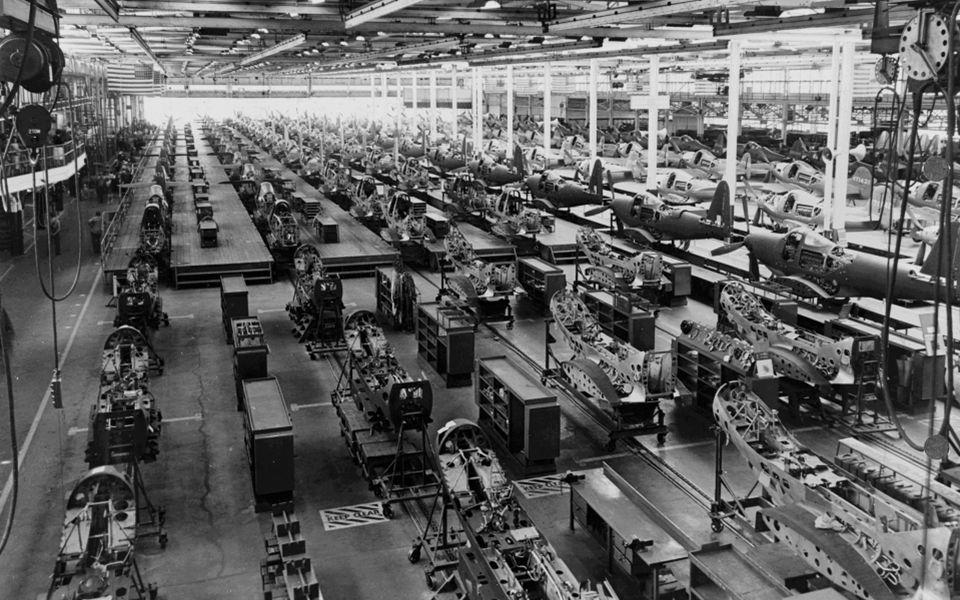 19 de Eeuw vs 21 ste Eeuw industriële revolutiedigitale revolutie angst voor machinesangst voor robots langdurige onruststeeds meer onrustsociale ongelijkheid MarxPiketty