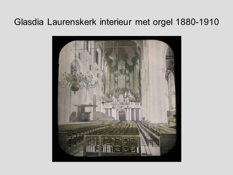ROTTERDAM. De Groote of St. Laurens kerk, te Rotterdam, van binnen na de zyde des Choors te zien. kopergravure door J Punt naar Paul van Liender 1760.