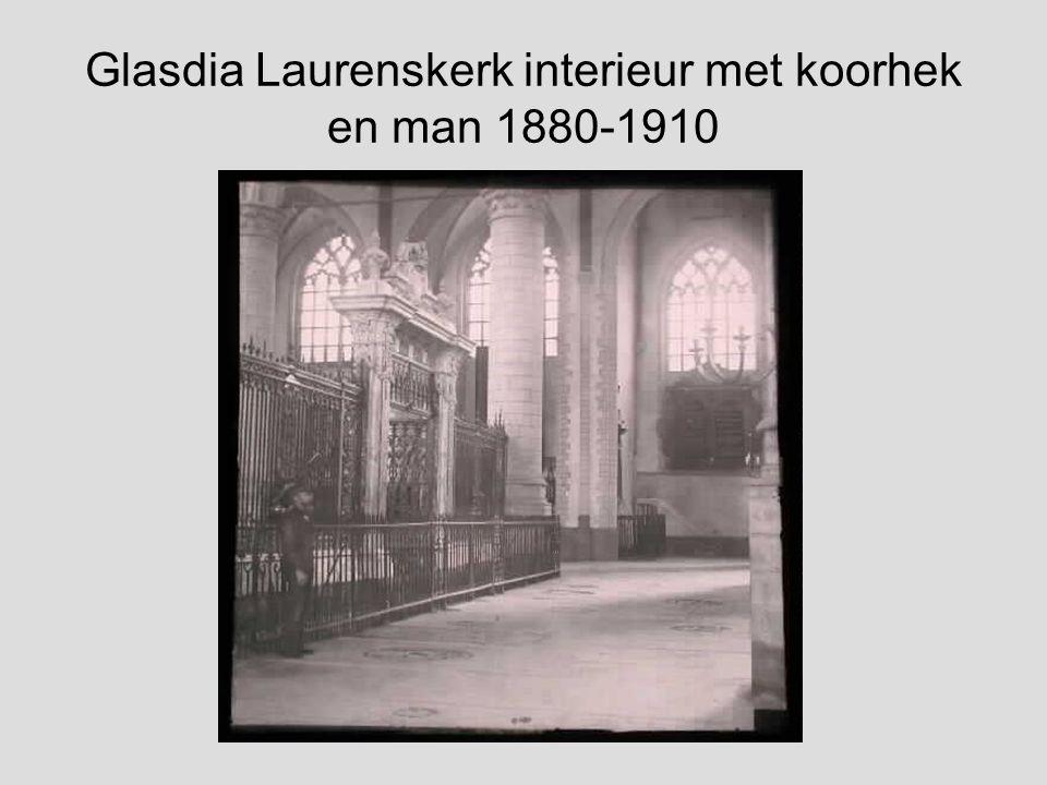 Glasdia Laurenskerk interieur met koorhek 1880-1910