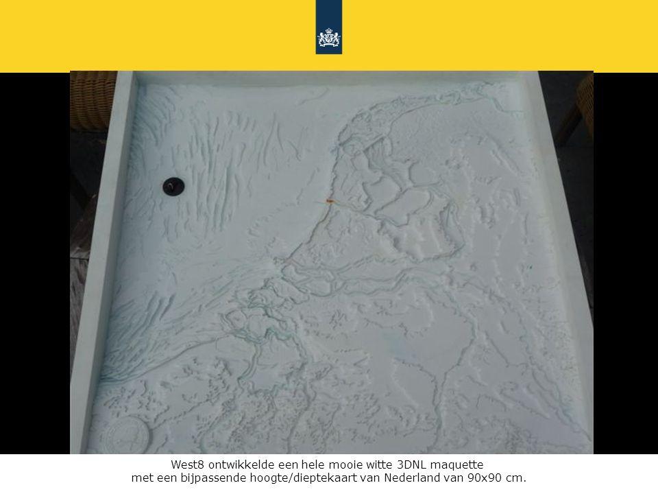 Rijkswaterstaat 3DNL723 juni 2010 West8 ontwikkelde een hele mooie witte 3DNL maquette met een bijpassende hoogte/dieptekaart van Nederland van 90x90