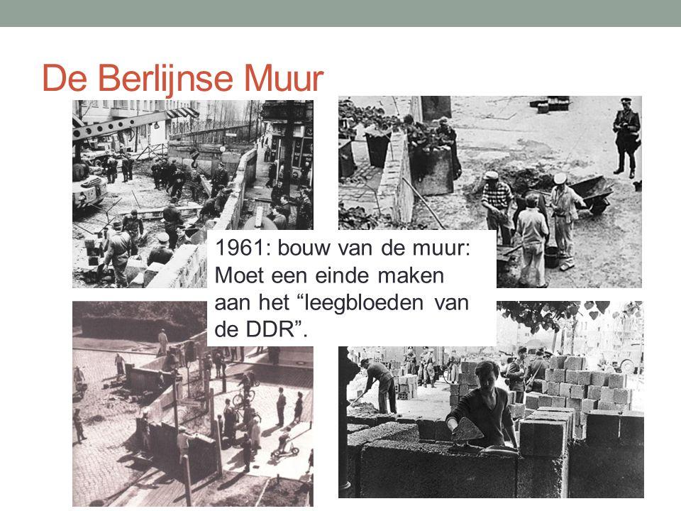 """De Berlijnse Muur 1961: bouw van de muur: Moet een einde maken aan het """"leegbloeden van de DDR""""."""
