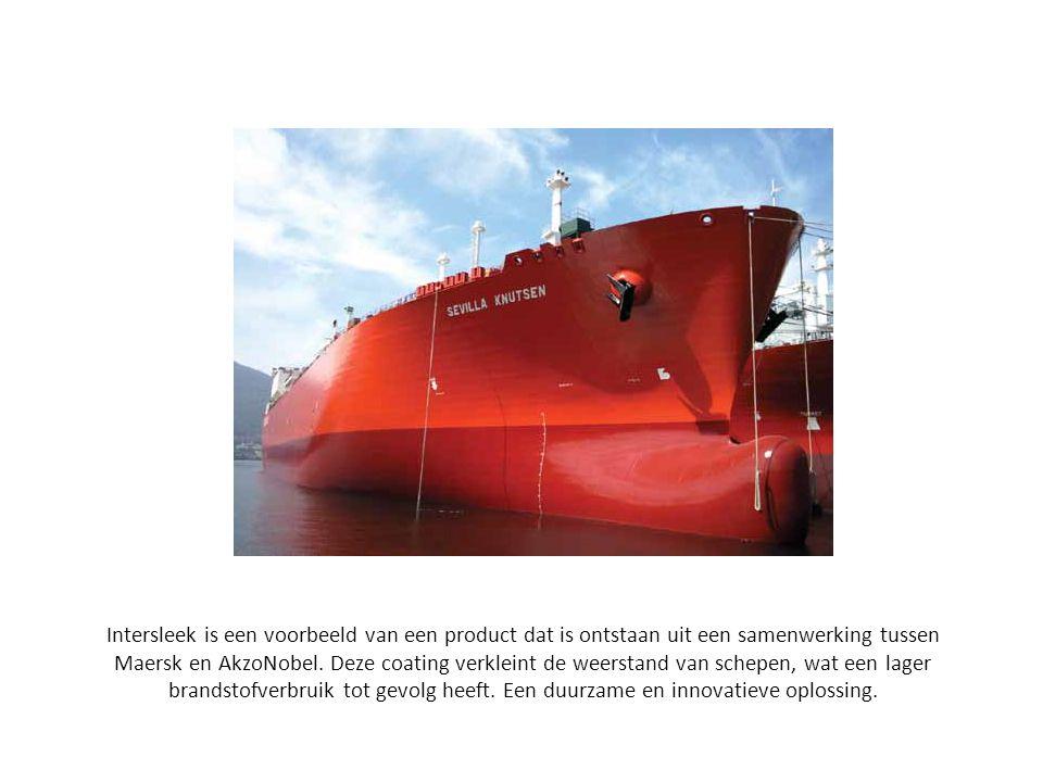 Intersleek is een voorbeeld van een product dat is ontstaan uit een samenwerking tussen Maersk en AkzoNobel. Deze coating verkleint de weerstand van s