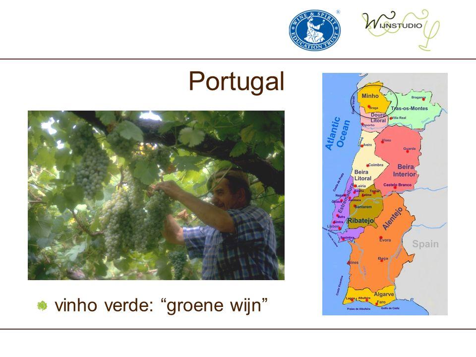 "Portugal vinho verde: ""groene wijn"""