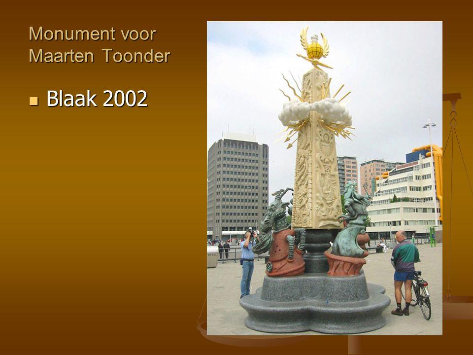 Monument voor Maarten Toonder Blaak 2002 Blaak 2002