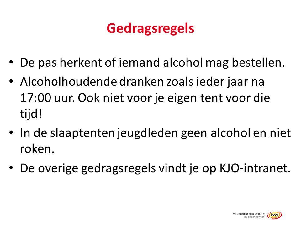 Gedragsregels De pas herkent of iemand alcohol mag bestellen. Alcoholhoudende dranken zoals ieder jaar na 17:00 uur. Ook niet voor je eigen tent voor