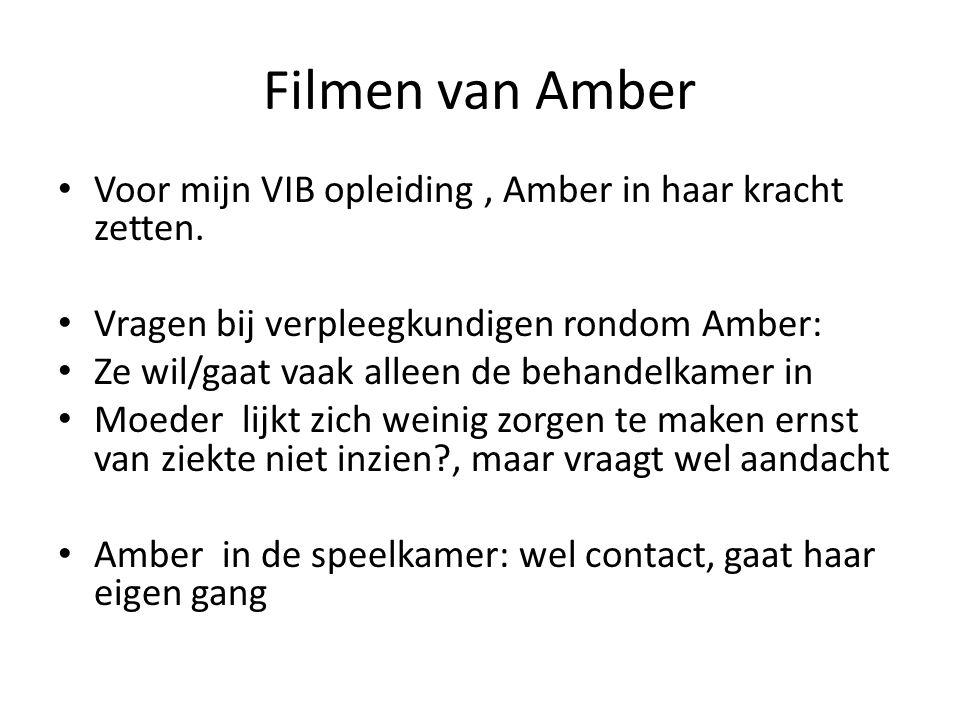 Afstemmen Tijdens filmen is grote zus aanwezig, Tijdens filmen geeft Amber aan dat we het niet tegen papa mogen zeggen!.