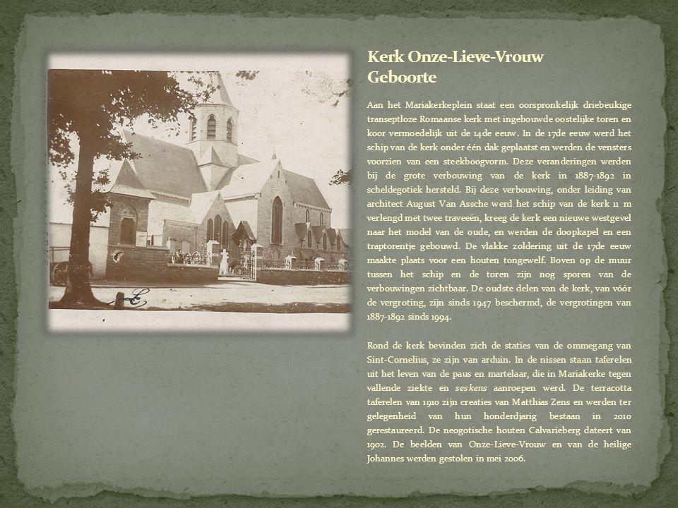 Aan het Mariakerkeplein staat een oorspronkelijk driebeukige transeptloze Romaanse kerk met ingebouwde oostelijke toren en koor vermoedelijk uit de 14de eeuw.