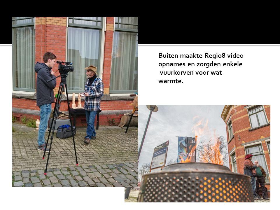 Buiten maakte Regio8 video opnames en zorgden enkele vuurkorven voor wat warmte.