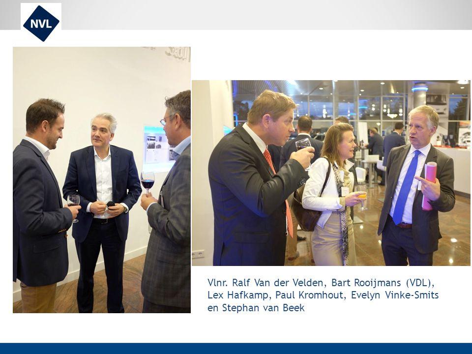 Vlnr. Ralf Van der Velden, Bart Rooijmans (VDL), Lex Hafkamp, Paul Kromhout, Evelyn Vinke-Smits en Stephan van Beek