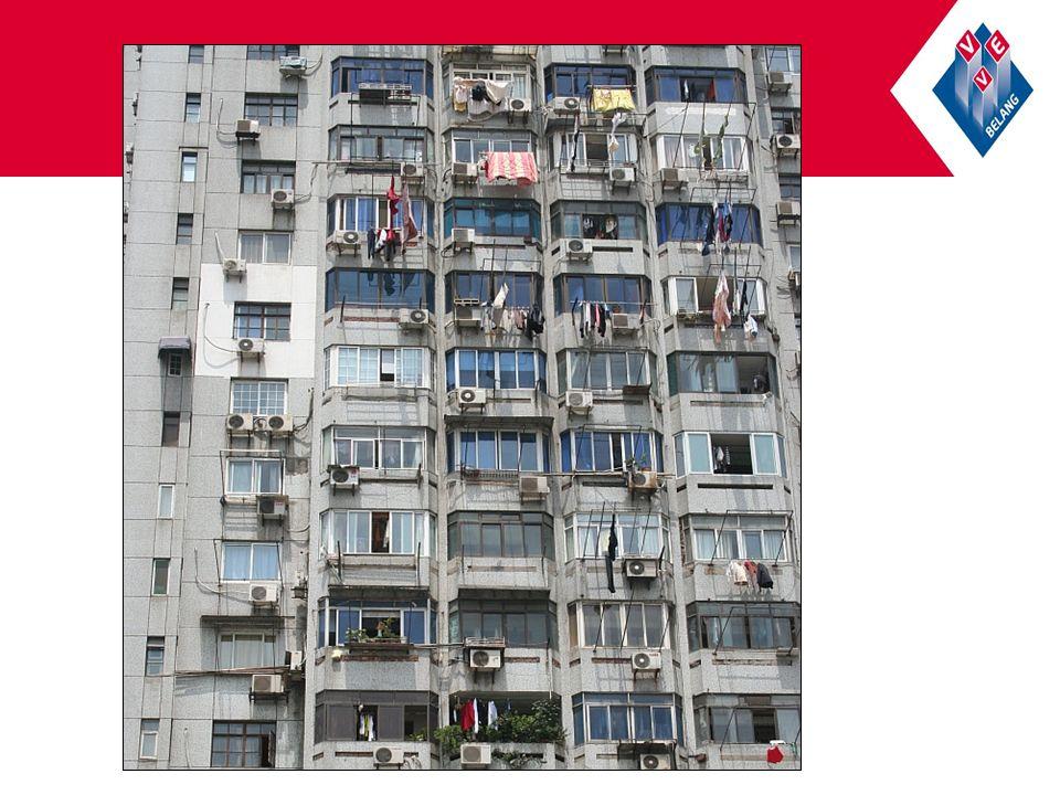Inhoud HHR Zonneschermen: In het huishoudelijk reglement kan bijvoorbeeld worden bepaald welke constructie, welke materialen en welke kleur zonneschermen is toegelaten