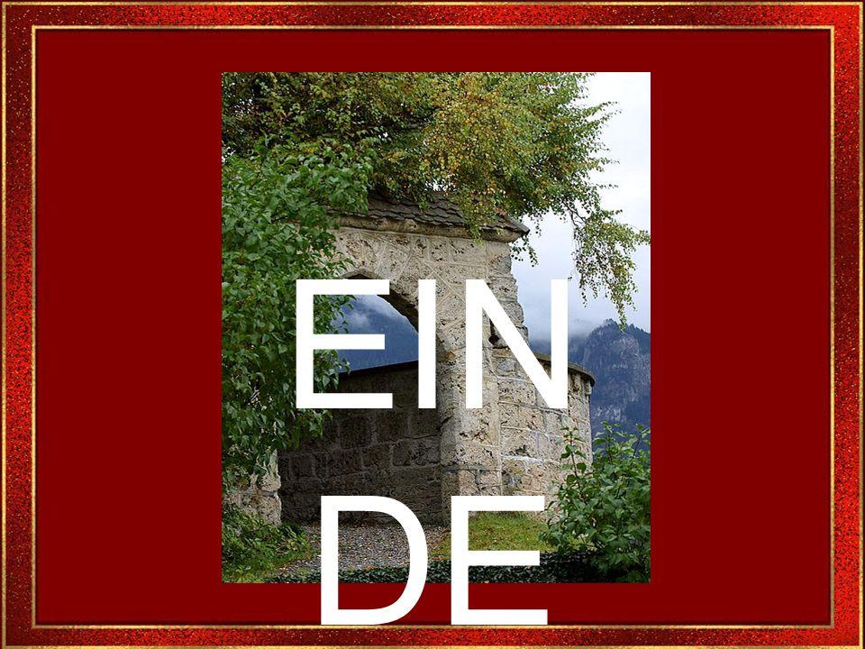 Het kasteel is een eigendom van de Zwitser H.T. Giger, een beroemde miljonair, ook bekend voor de speciale effecten die hij maakte voor buitenlandse f