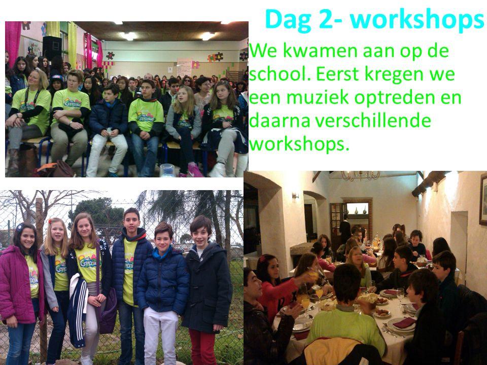 We kwamen aan op de school.Eerst kregen we een muziek optreden en daarna verschillende workshops.