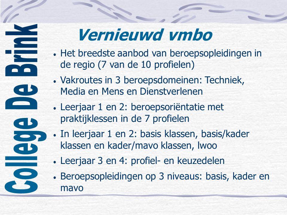 Vernieuwd vmbo  Het breedste aanbod van beroepsopleidingen in de regio (7 van de 10 profielen)  Vakroutes in 3 beroepsdomeinen: Techniek, Media en Mens en Dienstverlenen  Leerjaar 1 en 2: beroepsoriëntatie met praktijklessen in de 7 profielen  In leerjaar 1 en 2: basis klassen, basis/kader klassen en kader/mavo klassen, lwoo  Leerjaar 3 en 4: profiel- en keuzedelen  Beroepsopleidingen op 3 niveaus: basis, kader en mavo