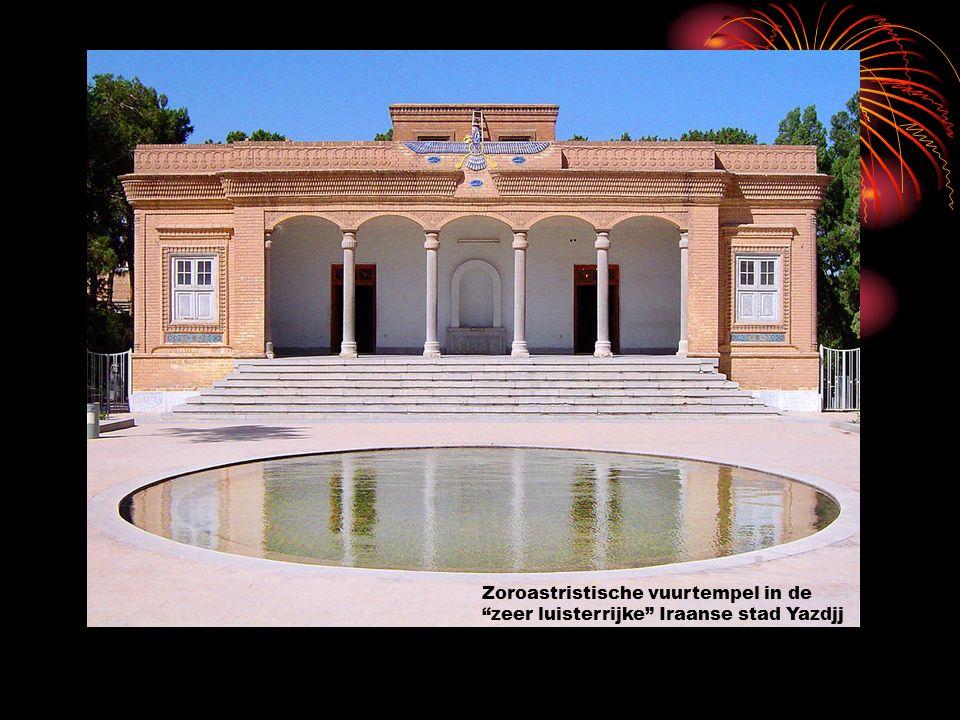 """Zoroastristische vuurtempel in de """"zeer luisterrijke"""" Iraanse stad Yazdjj"""