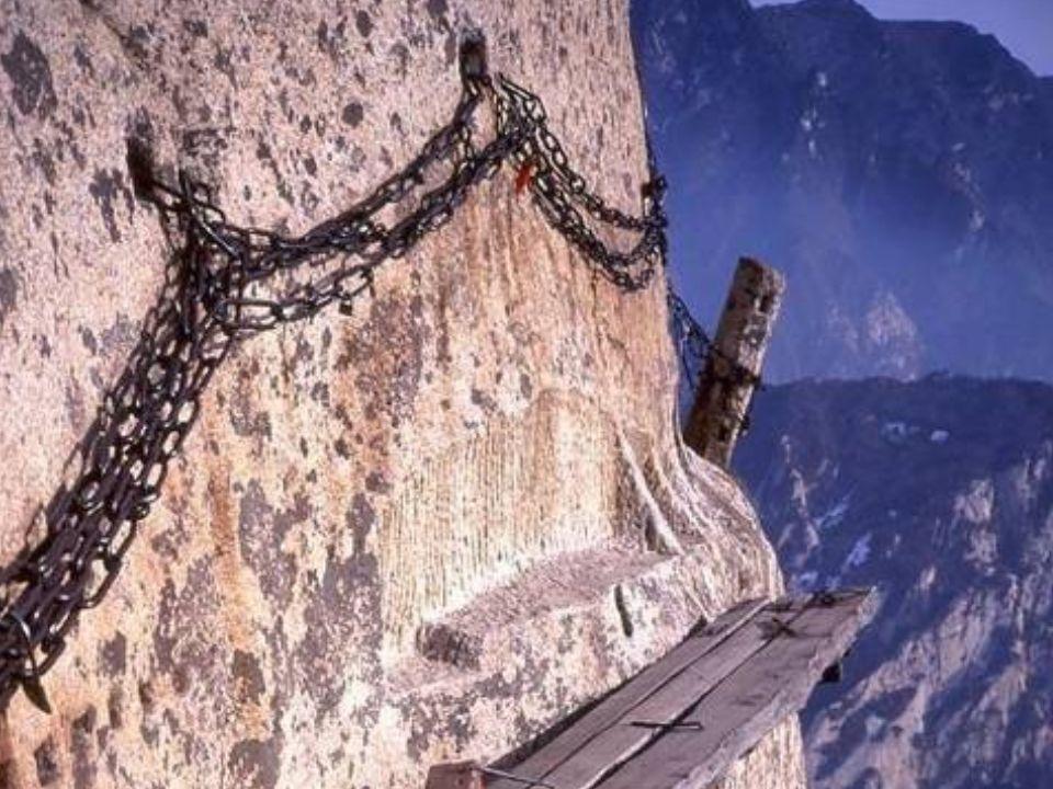 Op deze website vindt u het relaas van een beklimming: http://www.ssqq.com/ARCHIVE/vinlin27d.htm http://www.ssqq.com/ARCHIVE/vinlin27d.htm