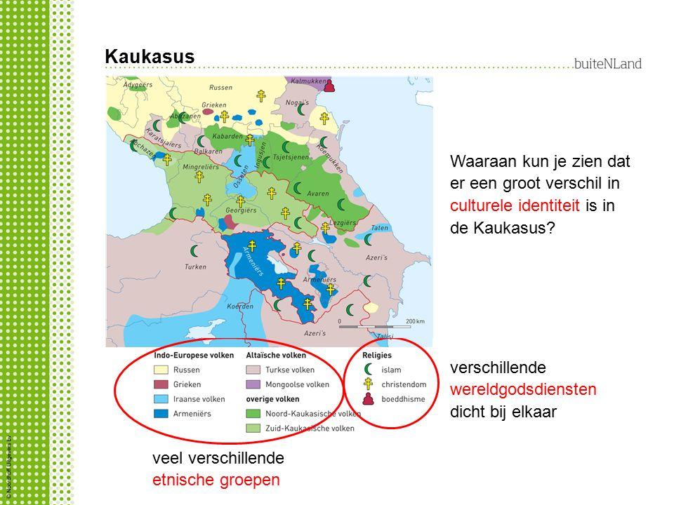 Kaukasus veel verschillende etnische groepen verschillende wereldgodsdiensten dicht bij elkaar Waaraan kun je zien dat er een groot verschil in culturele identiteit is in de Kaukasus?