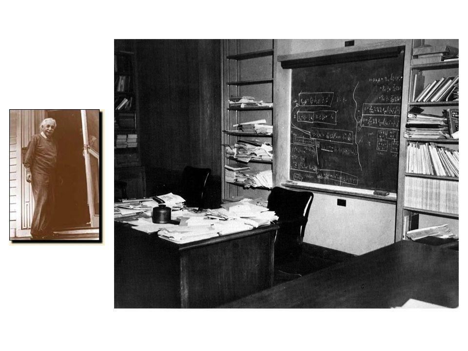 Einstein geeft toe dat de kwantummechanica consistent is en in overeenstemming met de waarneming.