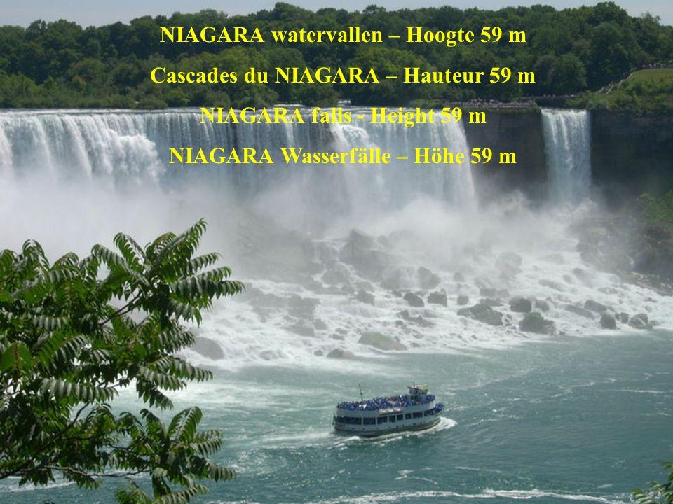 Het water valt van op een hoogte van ca.1 km recht naar beneden.