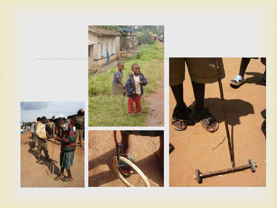  De meeste mensen stappen overal naar toe: naar school, naar de markt, naar familie, naar het veld, …