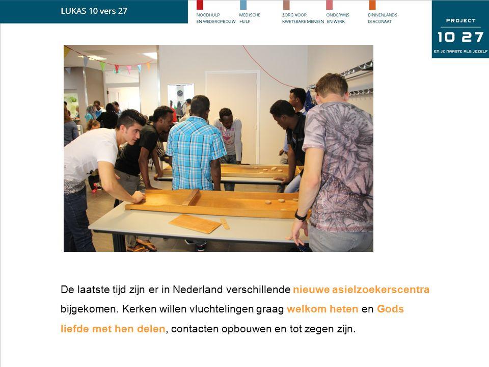 De laatste tijd zijn er in Nederland verschillende nieuwe asielzoekerscentra bijgekomen. Kerken willen vluchtelingen graag welkom heten en Gods liefde