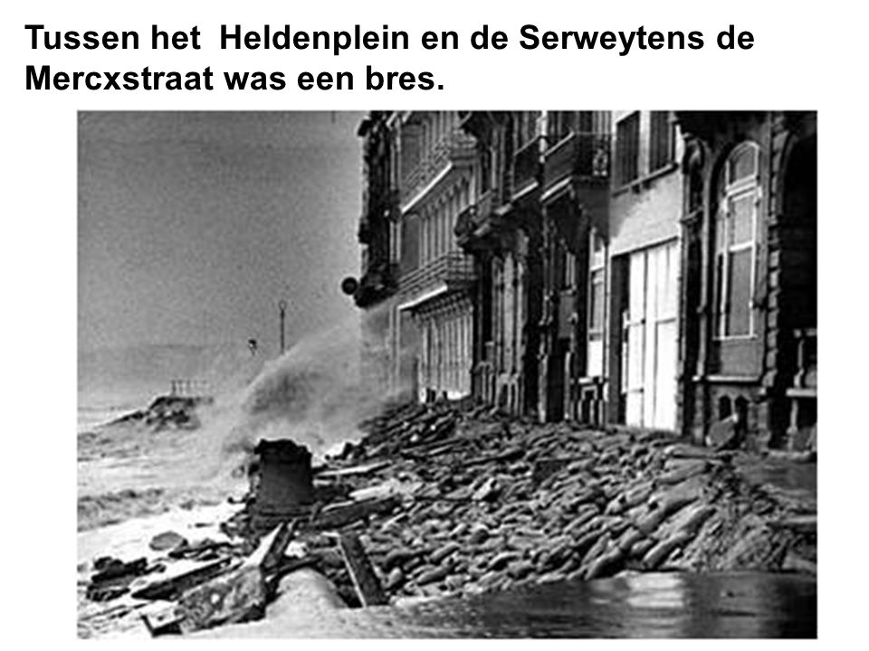 Tussen het Heldenplein en de Serweytens de Mercxstraat was een bres.