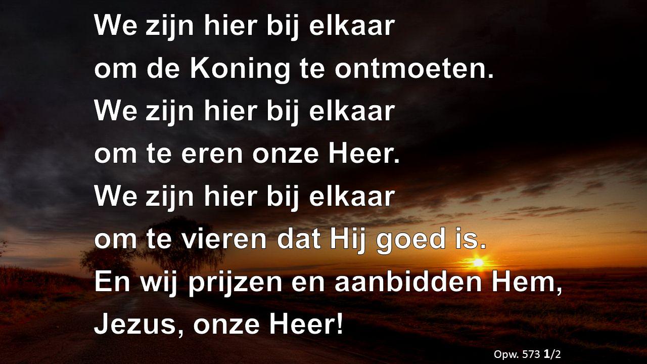 Vader maak mij tot een zegen Ga mij niet voorbij Regen op mij met uw Geest Heer Jezus kom tot mij Als de Bron van leven Die ontspringt diep in mij Breng een stroom van zegen Waarin U zelf steeds mooier wordt voor mij Opwekking 710