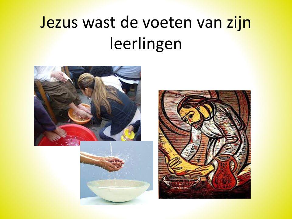 Jezus wast de voeten van zijn leerlingen