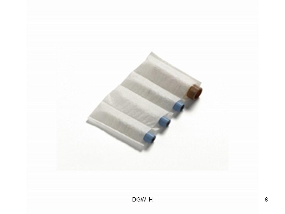 Stap 2: Stap 2 Primaire verpakking met vochtabsorberend materiaal plaatsen in een Transportblister.