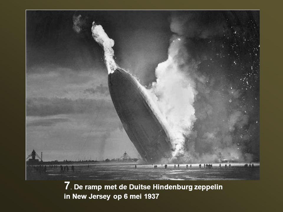7. De ramp met de Duitse Hindenburg zeppelin in New Jersey op 6 mei 1937