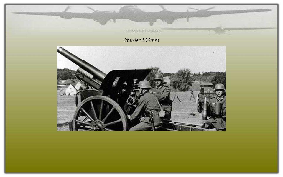 La remise en batterie de deux canons à Merville.