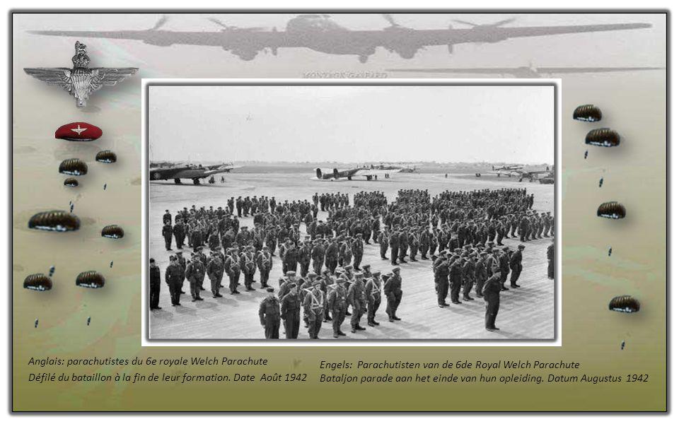 Anglais: parachutistes du 6e royale Welch Parachute Défilé du bataillon à la fin de leur formation.