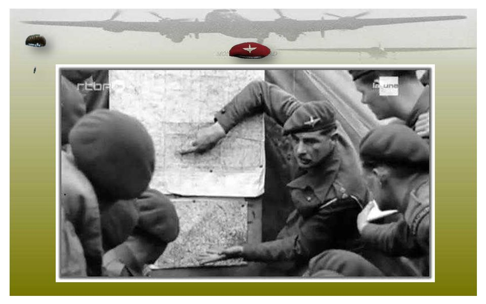 Le 5 juin, le lieutenant Robert Midwood de la 22nd Independant Parachute Company dresse le briefing à ses hommes. La 22nd Independant Parachute Compan