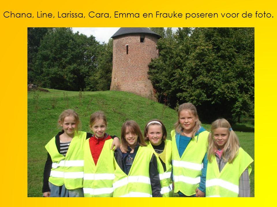 Chana, Line, Larissa, Cara, Emma en Frauke poseren voor de foto.