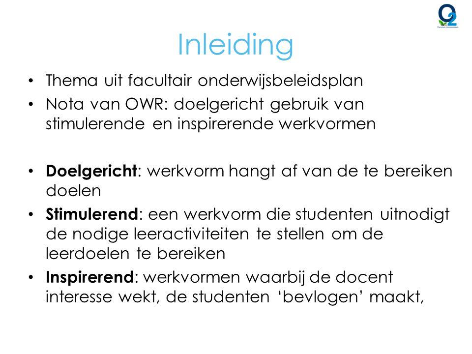 Samenwerkingsvormen – Docent is coach => balans tussen inhoudelijk expert en begeleider – Inschakelen assistenten, oudere jaars als tutor – Aandacht voor groepsindeling, aanduiden van rollen binnen de groep, verslaggeving – Mogelijks probleem: meelift fenomeen => Peer assessment bij groepswerk (De Jonghe, Clarebout, Desmet & Aerts, 2013) Bijkomend: Als middel om: » leren te vergroten door reflectie nav assessment » feedback te (leren) geven (Gielen, Dochy, Onghena, Struyven, & Smeets, 2011; Van Zundert; Sluijsmans & van Merriënboer, 2010) Effectief.