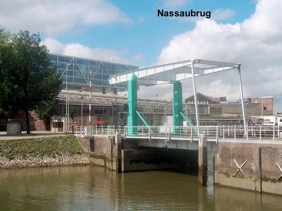 Koningshaven en Poortgebouw met Binnenhavenbrug