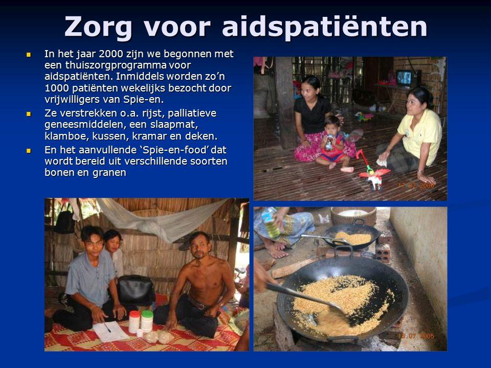 Zorg voor aidspatiënten In het jaar 2000 zijn we begonnen met een thuiszorgprogramma voor aidspatiënten. Inmiddels worden zo'n 1000 patiënten wekelijk