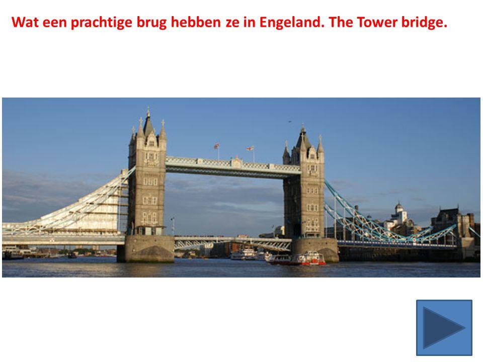 Wat een prachtige brug hebben ze in Engeland. The Tower bridge.