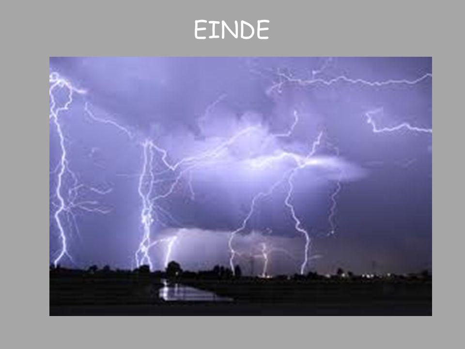 EINDE Toen de natuurkunde begon - bij de Grieken, bij de middeleeuwers en ook nog enigszins bij Galileo en bij Descartes - ging Natuurkunde over de Natuur: over de regenboog, over donder en bliksem enz.