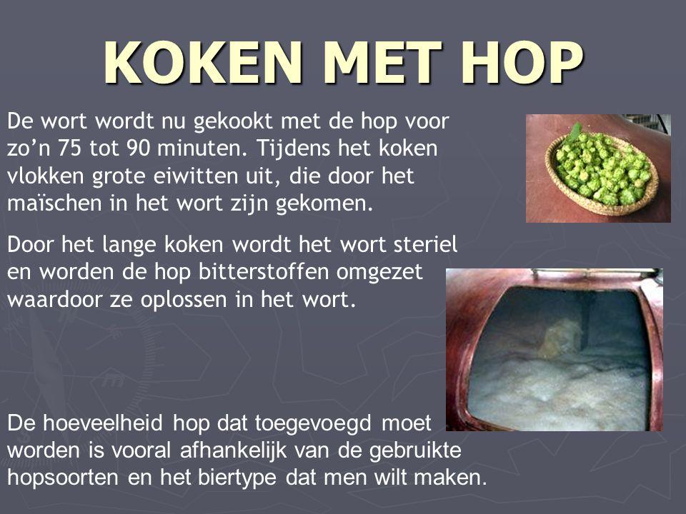 KOKEN MET HOP De wort wordt nu gekookt met de hop voor zo'n 75 tot 90 minuten.