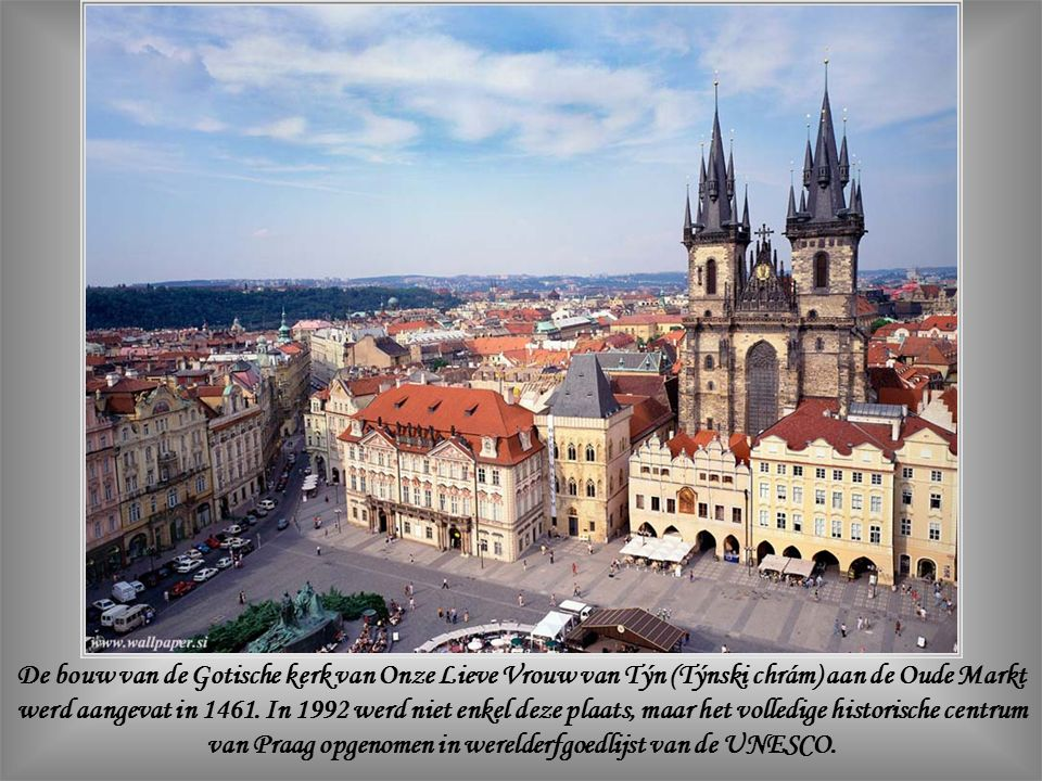 De Markt van de Oude Stad (Staré Msto) paalt aan de Koninklijke Weg (Královsk á cesta ) en is omkranst door de meest representatieve gebouwen van de meer dan tien eeuwen oude stad.