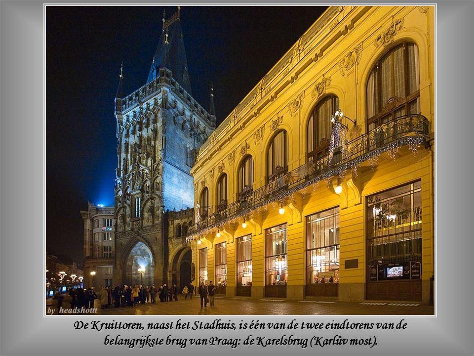 Het Stadhuis was het eerste Art-Nouveaugebouw van Praag.