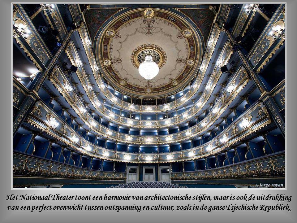 Het Nationaal Theater (Národni Divadlo) in Renaissancestijl werd voltooid in 1883.