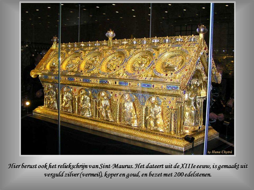 Hier berust ook het reliekschrijn van Sint-Maurus.