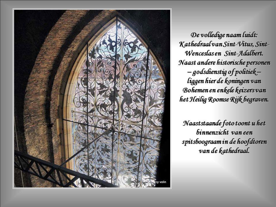 De bouw van de Sint-Vituskathedraal startte in 1344.