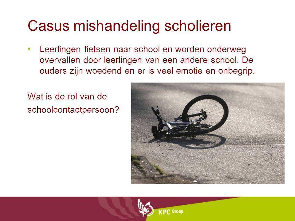 Casus mishandeling scholieren Leerlingen fietsen naar school en worden onderweg overvallen door leerlingen van een andere school. De ouders zijn woede