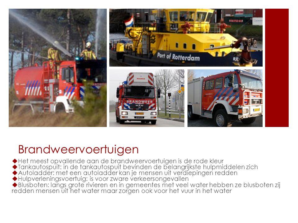 Brandweervoertuigen  Het meest opvallende aan de brandweervoertuigen is de rode kleur  Tankautospuit: in de tankautospuit bevinden de belangrijkste